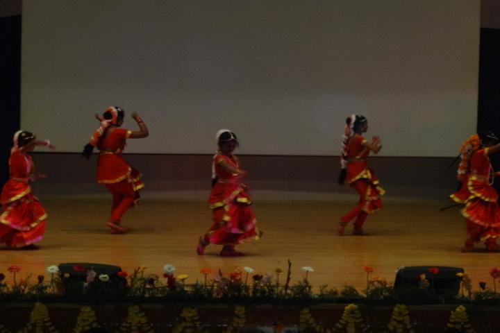 Vivekananda kendra vidyalaya - traditional dance