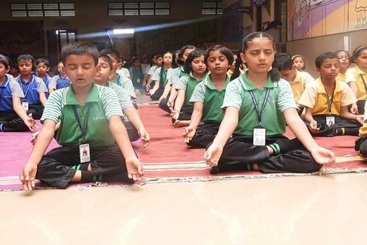 KK Wagh Universal School-Yoga Day