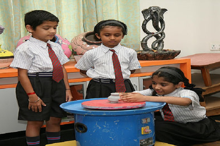 K.K. Wagh Universal School-Art And Craft