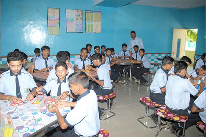 Kanaiyalal Raojibhai Public School-Maths Lab