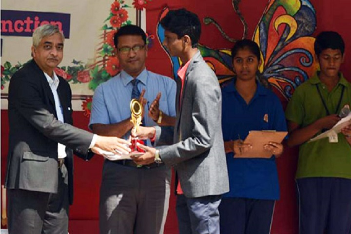 Kle English Medium School-Awards