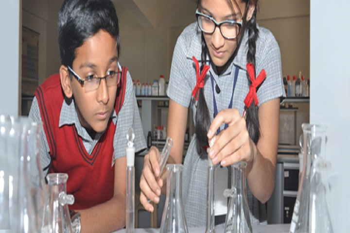 Kle English Medium School-Science-Lab