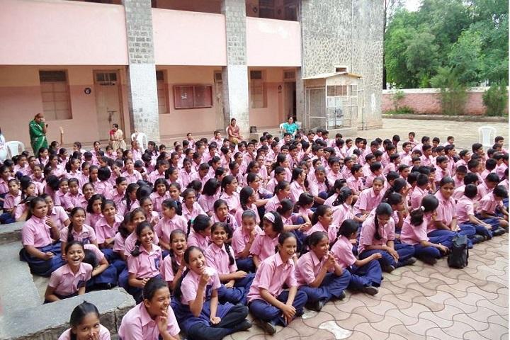 Loknetevyankatrao Hiray Academy CBSE-Pink Day
