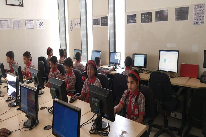 Lotus English Medium School-IT-Lab