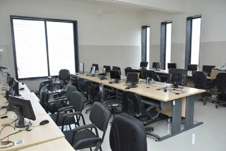 Lotus English Medium School-Computer lab