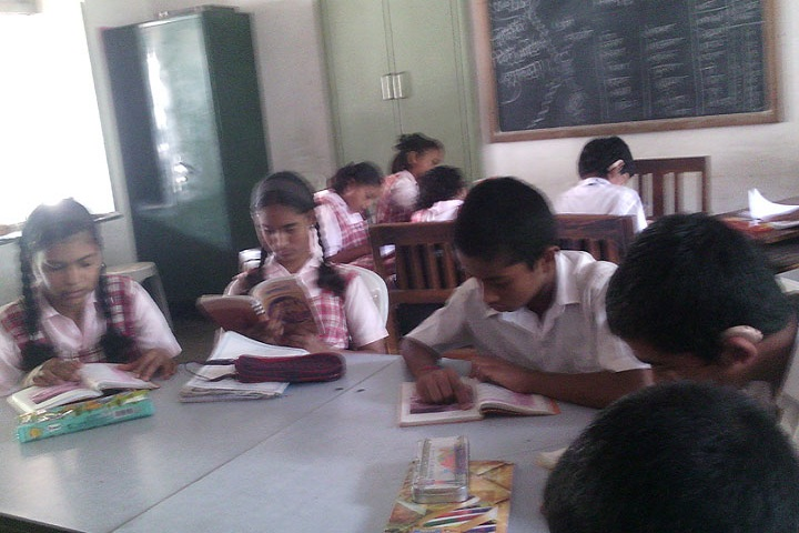 MES Bhave High School-Library
