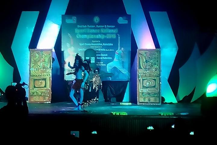 Macaroon Students Academy-Dance