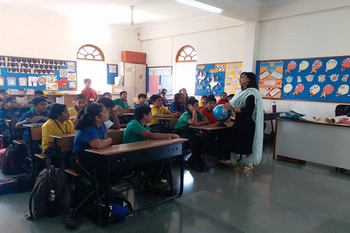 Maeers Vishwashanti Gurukul School-Classroom