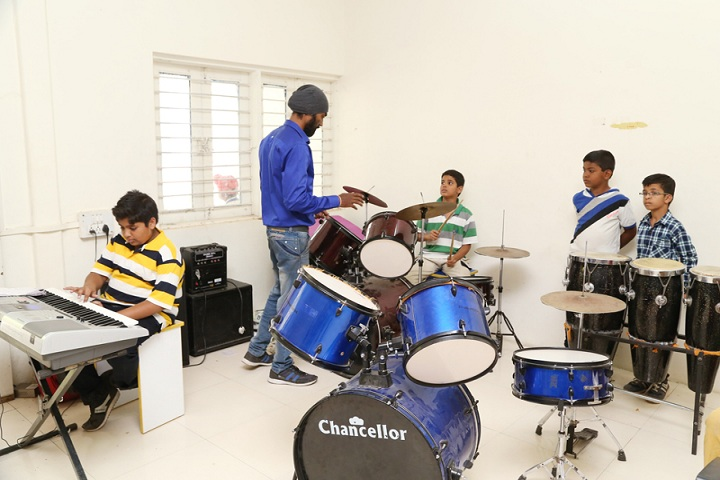 Mahatma Gandhi Missions Clover Dale School-Music