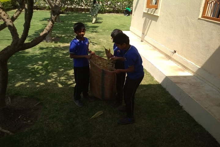 Maneers Vishwashanti Gurukul Nivasi School-Activity