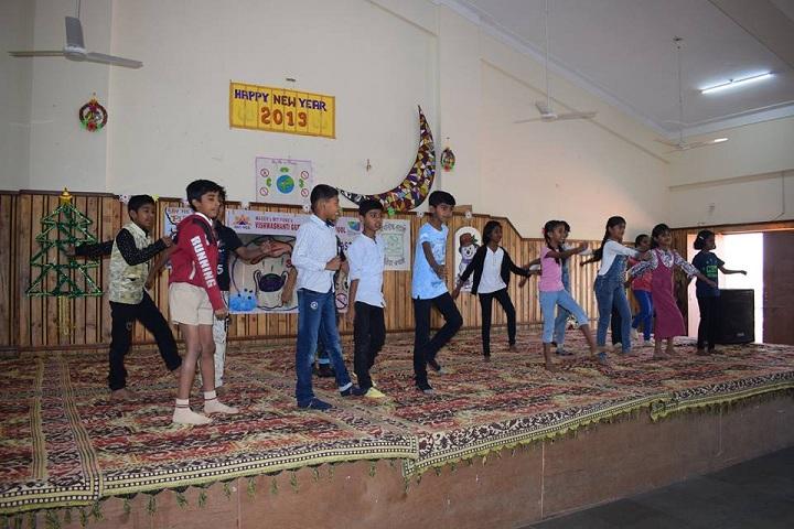 Maneers Vishwashanti Gurukul Nivasi School-Dance