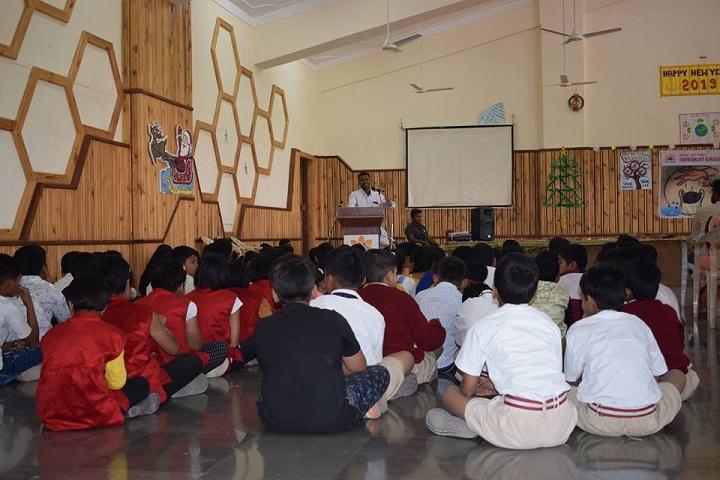 Maneers Vishwashanti Gurukul Nivasi School-Seminar