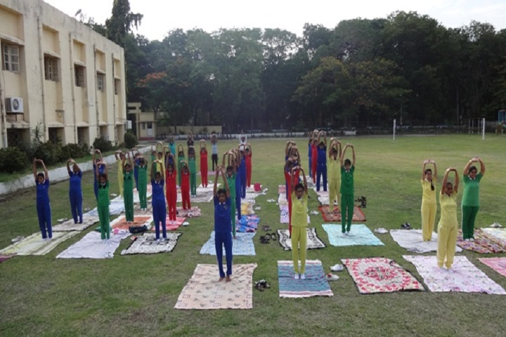Manikgarh Cement English School-Yoga day