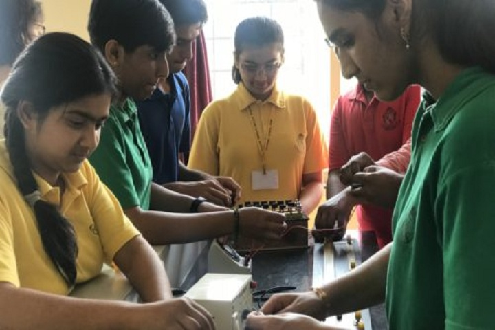 Mansukhbhai Kothari National School-Physics-Lab