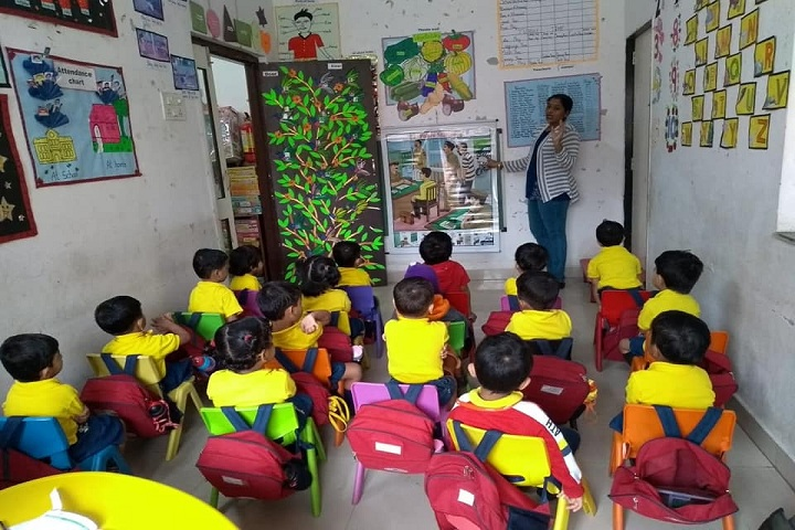 Master Mind Global English School-Class