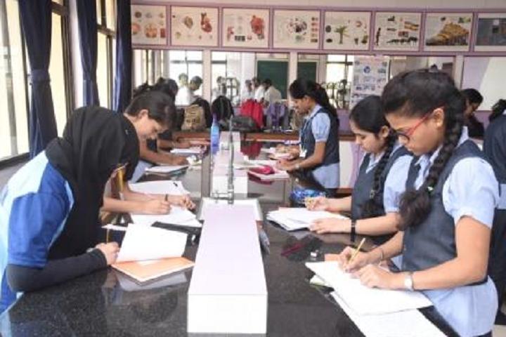New Horizon Public School Khanda Colony-Biology Lab