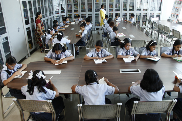 New Horizon Scholars School -Library