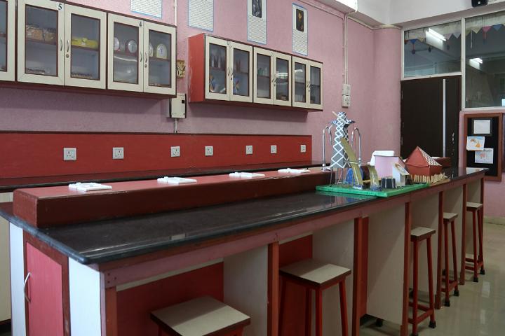 New Horizon Scholars School -Physics Lab