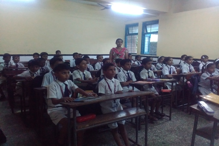 P E S Central School-Classroom