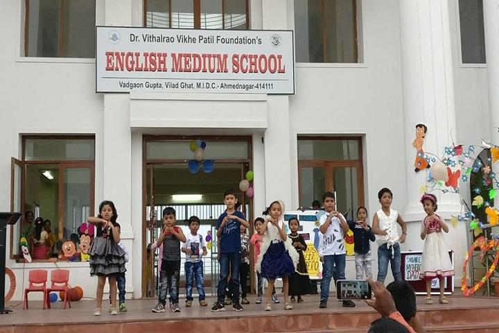 Padmashree Dr Vithalrao Vikhe Patil Foundations English Medium School-Dance