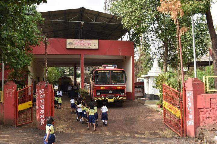 Poddar Brio International School-School bus
