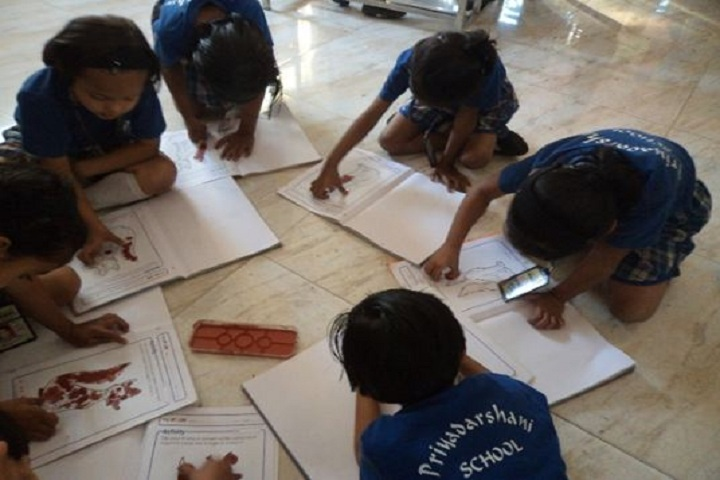 Priyadarshani Primary School-Art Class