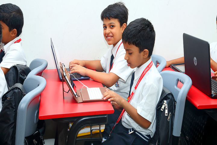Rainbow International School-Digital Classroom