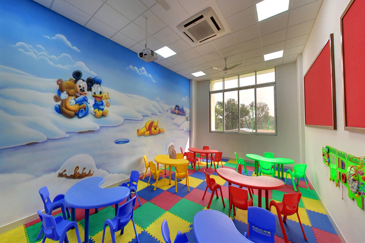 Rainbow International School-Kids Room