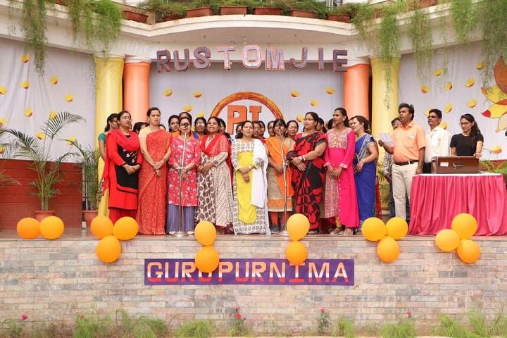Rustomjie International School-Group Singing