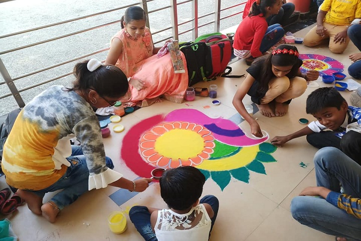 Shinde International School-Rangoli Competition