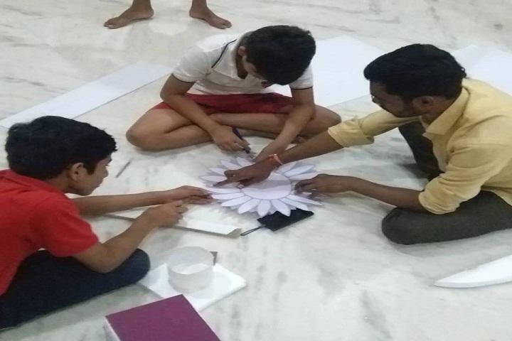 Shree Swaminarayan Gurukul International School-Arts andCrafts