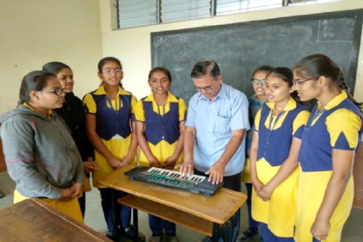 Shri Mahavir English Medium School-Music Class