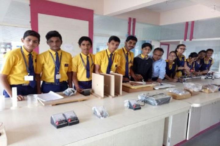 Shri Mahavir English Medium School-Physics Lab