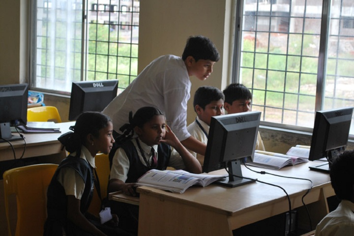 Sinhgad Public School-computer lab