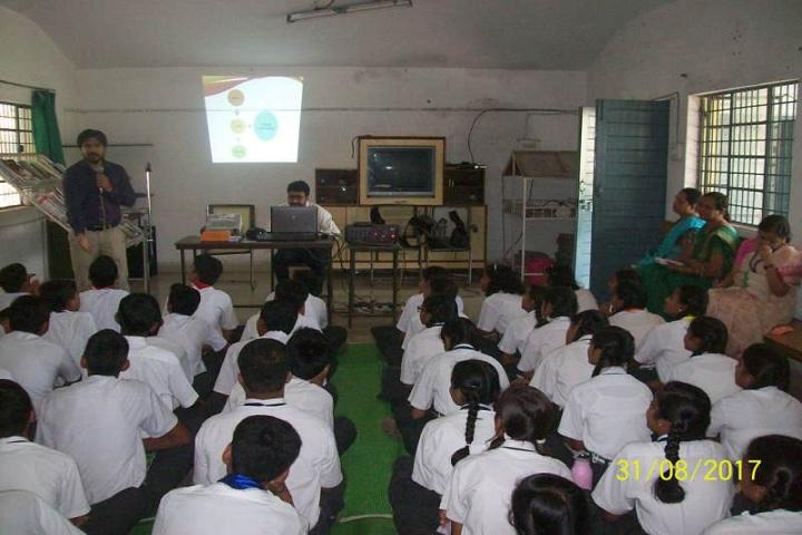 Sunflag School-Presentation Class