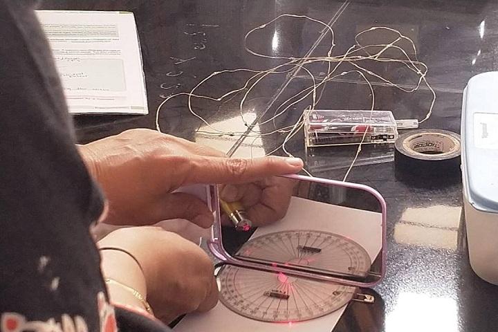 Takshila School-Physics Lab Experiment