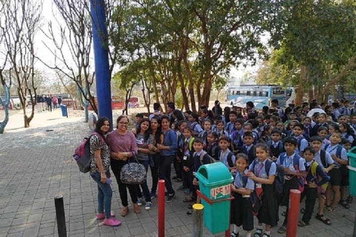 Teens World Corporate School-Trip