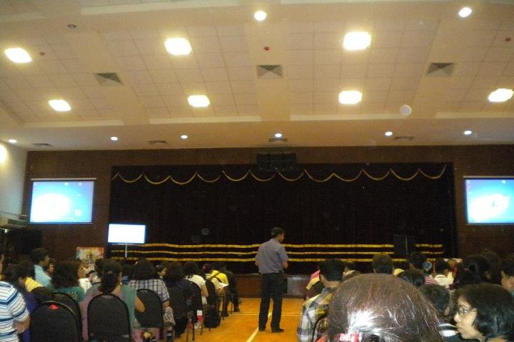 U S English Academy-Workshop@ Ecole Mondiale World
