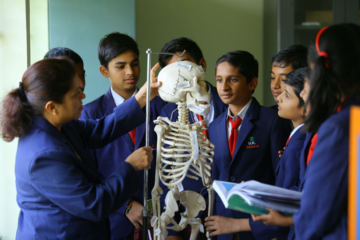 Universal Knowledge School-Science Lab