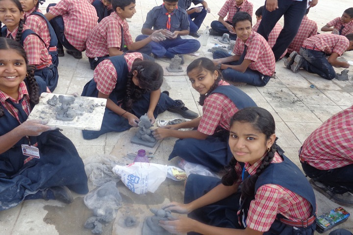 Vidya Prabodhini Prashala English-Clay Activity