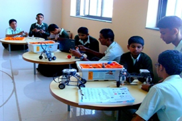 Vidya Pratishthans English Medium School-Robotics Lab