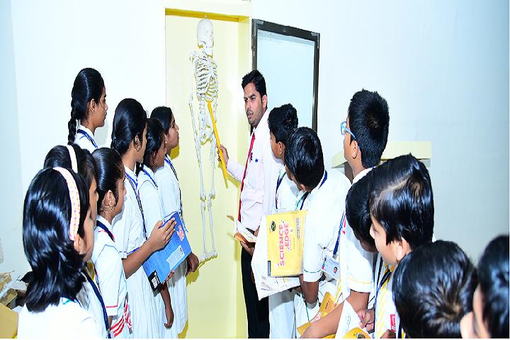 Vidyarambh School-Science Lab 1
