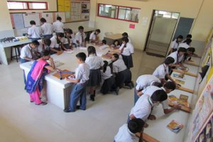 Vidyashilp Public School-Physics Lab
