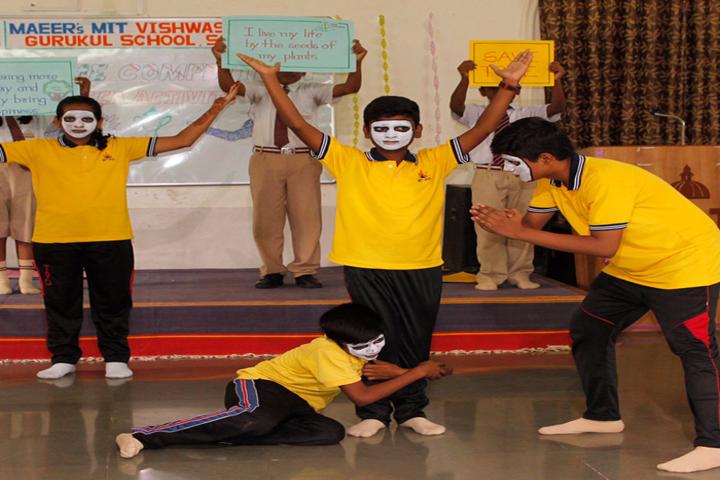 Vishwashanti Gurukul School-Dance