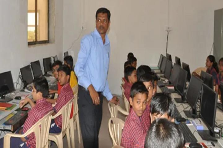 Vivekananda English School-Computer Lab