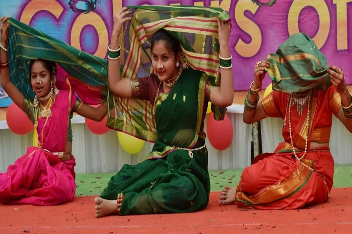 Vivekananda English School-Dance