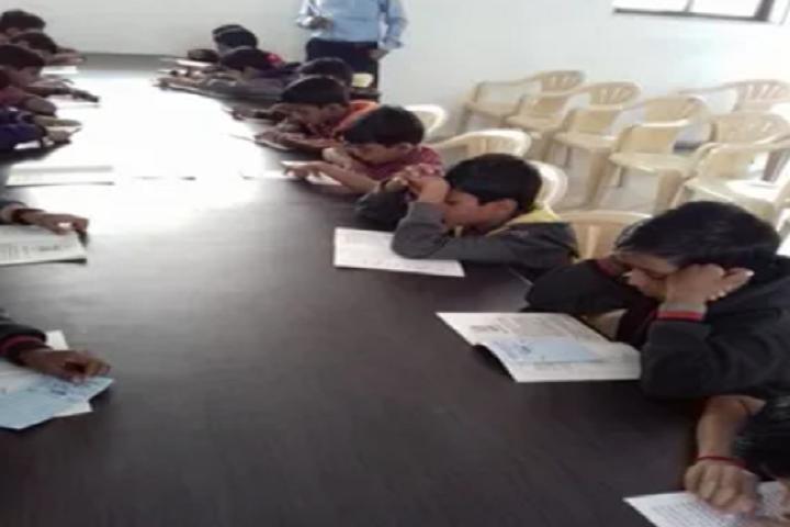 Vivekananda English School-Library
