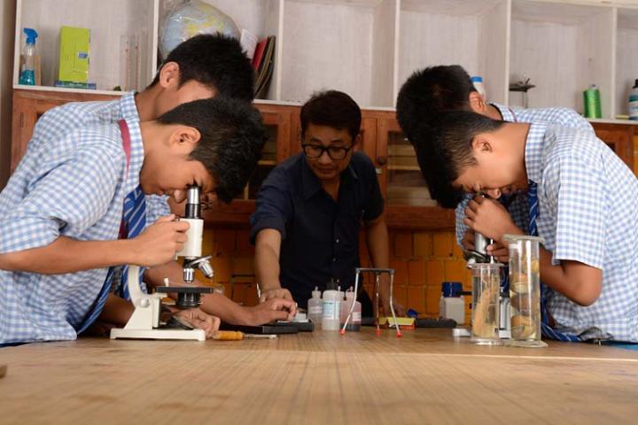 Kids Foundation-Laboratory Biology