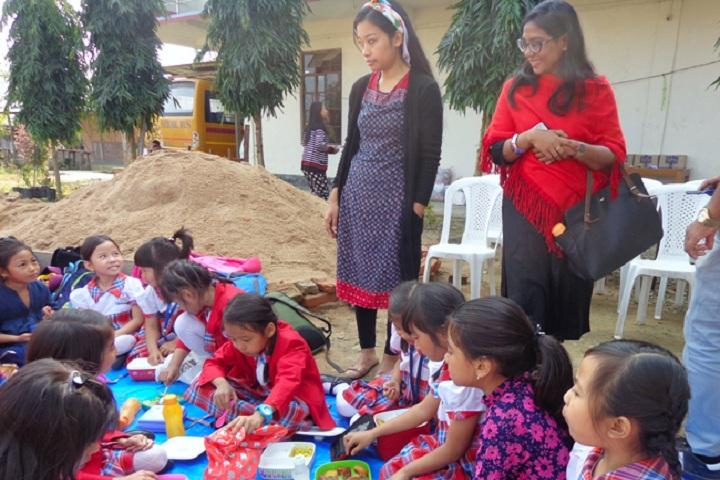 Hollo Toli School-Junior Community Service