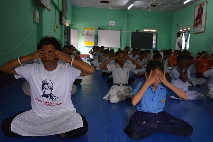 Vivekanand Kendra Vidyalaya - Yoga Day